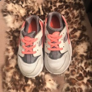 Little girl Nike's